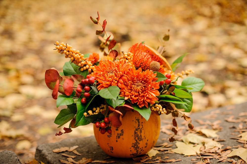 Festive Fall Flowers And Décor